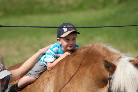 Bambini Riding Weeks for Children | Darrehof Farm